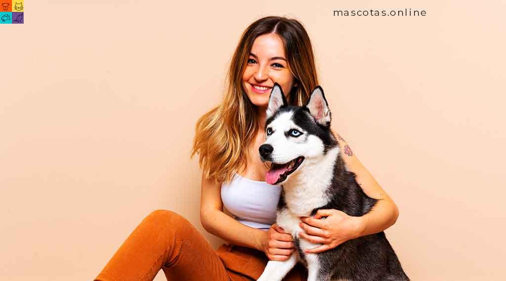 perro con bonita chica